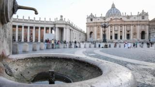И Ватикана минава на сух режим