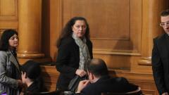На депутатите им омръзнала нестабилността на Здравната каса