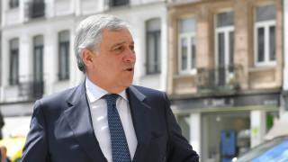 ЕП подкрепя за шеф на ЕК само някой от водещите кандидати, обяви Таяни