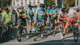 От световния колоездачен съюз пуснаха хората си в неплатен отпуск