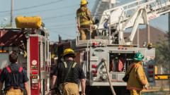 Полицията в Канада разследва пожар в 2 католически църкви в земи на индианци
