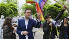 В Полша избраха първия кмет, открито заявил, че е гей