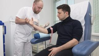 Порошенко и Зеленски дадоха кръвни проби за алкохол и наркотици преди TV дебата