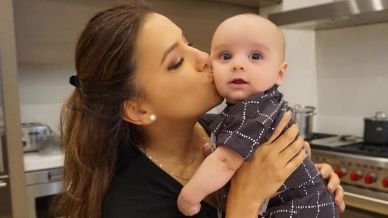 Ева Лонгория и шест месеца бебе Сантяго