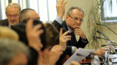 Шефът на ВКС призова Борисов да каже кой му е изпратил смс-а