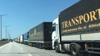 Френски превозвачи блокираха големи пътни артерии