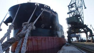 Варненското пристанище посрещна най-дългия кораб от 15 години насам