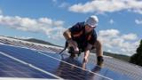 """""""Зелената енергия"""" навлиза изключително бързо"""