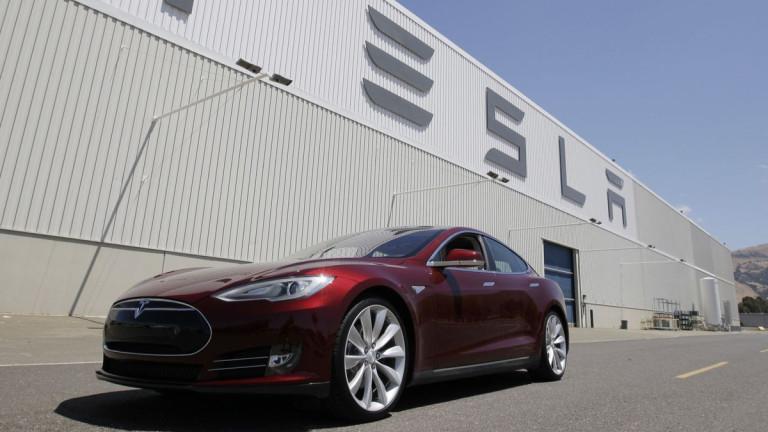 Tesla достави рекорден брой коли за второто тримесечие