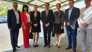 Инвестиции за близо 710 млн. лв. разкриват над 3200 работни места, хвали се Лъчезар Борисов