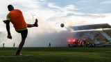"""Феновете на Ботев (Пловдив) повдигнаха настроението на играчите на """"канарчетата"""" преди дербито с Локо"""