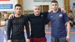 Трима национали в свободния стил на подготовка в Дагестан