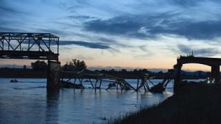 Автомобилен мост се срути в щата Вашингтон