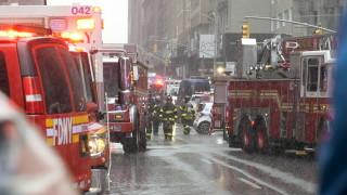 Хеликоптер се разби в сграда в Манхатън, има загинали и ранени
