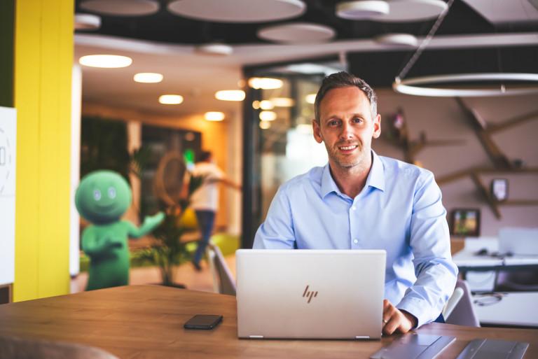 Жозе Салойо: Моето любимо място в офиса, където работя често, са високите маси