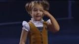 4-годишно момиченце говори 7 езика (Видео)