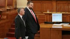Пеевски съветва Радев и Борисов да си решат проблемите като генерали