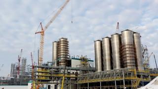 Банката на БРИКС влага $825 милиона в огромна рафинерия в Русия и пътища в Индия