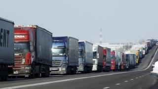Киев забрани руски камиони да влизат в Украйна