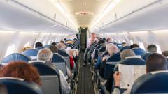 САЩ спира прегледите за COVID-19 при международните полети