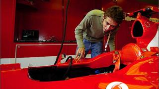 Валентино Роси ще кара за Ферари, твърди шефът на КТМ