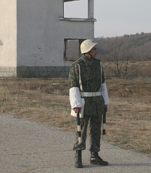 Военна полиция охранява обектите на МО