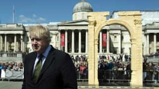 """Скандал след коментар на кмета на Лондон по адрес на """"полукениеца"""" Обама"""