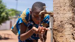 Холера уби 55 души в Мозамбик