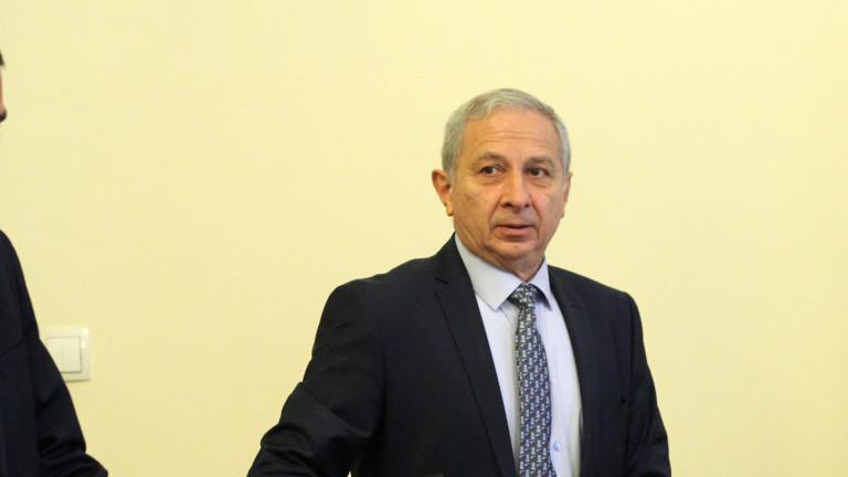 Бивш служебен премиер убеден: Вотът на недоверие няма да мине