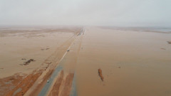 Силни дъждове наводниха пустинята на Саудитска Арабия