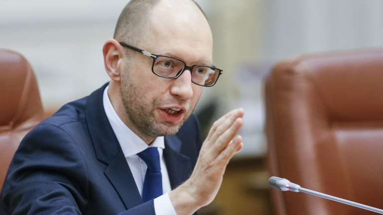 Яценюк с яростни нападки към Порошенко, подкопавал реформите