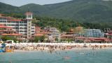 Управляващите тайно забиват нов пирон в ковчега на българския туризъм