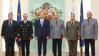 Президентът удостои военни с висше офицерско звание преди 6 май