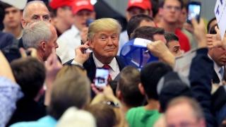 Тръмп в петата на Хилари