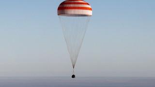 Двама астронавти от НАСА и руснак успешно се върнаха от МКС