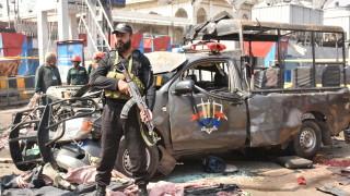 Десетки загинали и ранени при атентат в Пакистан