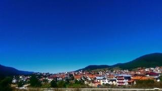Туристите отменят резервациите си за Сърница заради огнището на COVID-19