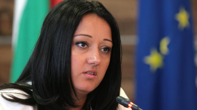 При успешно председателство влизаме в чакалнята на еврозоната, обясни Павлова