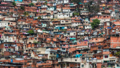 Антиамериканска и социалистическа Венецуела разчита все повече на долара