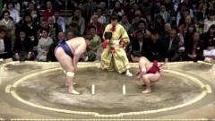 Аоияма с девета победа на турнира по сумо в Осака