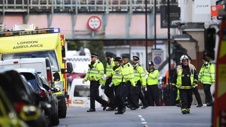 Полицията арестува 11 души за убийства на трима души в Лондон
