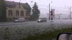 Около 200 хил. румънци са без ток след тежката буря