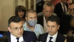 В кулоарите - Младен Маринов съжали за случката под колоните на МС