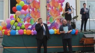 Четирима ученици посещават ЕП по покана на евродепутата Емил Радев