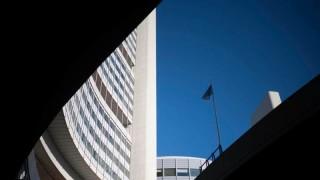 Иран протяга ръка към атомната бомба