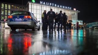 Безделници и престъпници посегнали на жените в Кьолн, културата и ислямът не били от значение