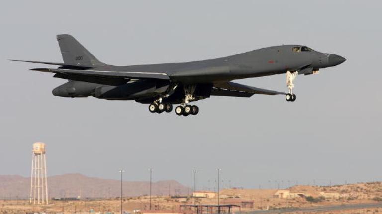 САЩ показаха мускули с два бомбардировача над Корейския полуостров