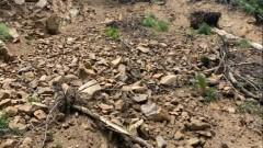Скали и кал затрупаха гаражи в Дупница