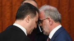 Македонският парламент направи албанския втори официален език