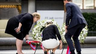 Норвегия почита жертвите пет години след нападението на Брайвик